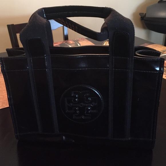 74db45171e9 Small 💯 Tory Burch Black Patent Leather Tote. M 5651fb8fb5643eb46f022b1d