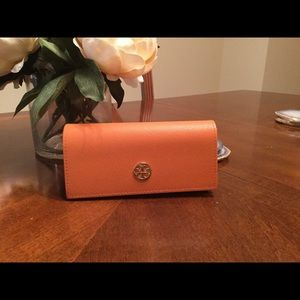 Authentic Tory Burch Sunglasses Case and Bag!