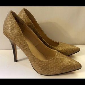 Shoe Dazzle Tan Snakeskin Heels NWOT