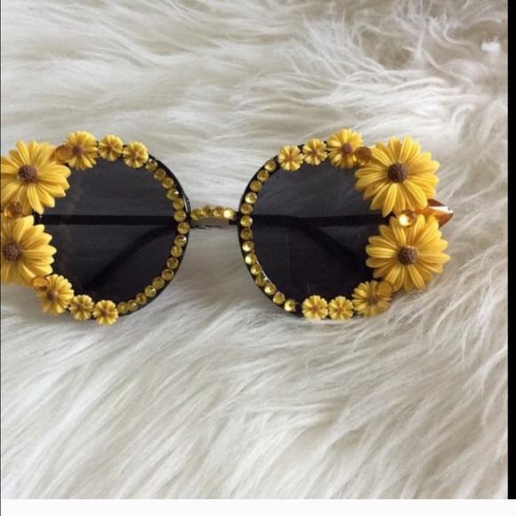 53ad9ddc93b Accessories - Sunflower sunglasses