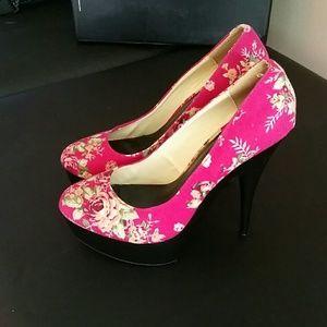 b78f39e52242 Fahrenheit Shoes - FRH Farenheit Heels Hot Pink Floral Size 10