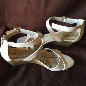 Wedge shoes- open toed