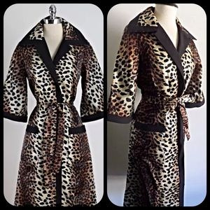 Stunning Lilli Ann satin silk leopard trench coat