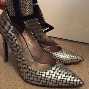 Jeffrey Campbell Shoes - Jeffrey Campbell Silver/Black heels w/ ankle strap