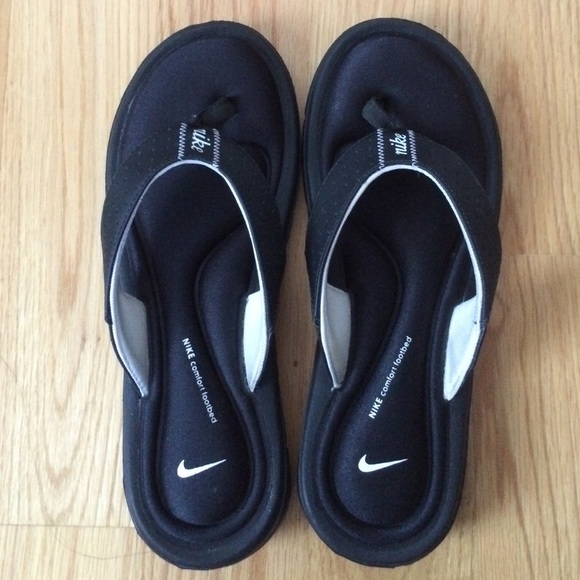 brand new d5a34 85f23 Nike Comfort Footbed Sandals