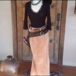 Dresses & Skirts - Beautiful suede skirt with flair
