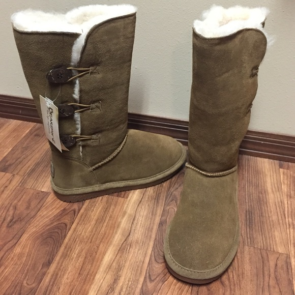NEW with TAGS BearPaw Lauren Button Tall Boots