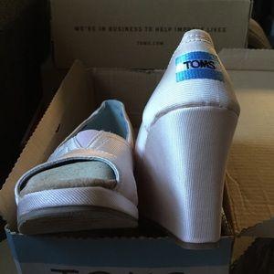 67752eb57971 TOMS Shoes - RARE Light Pink TOMS Petal Grosgrain wedges NEW