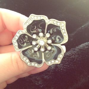 NWT Black Enamel Flower Stretch Ring w/Crystals