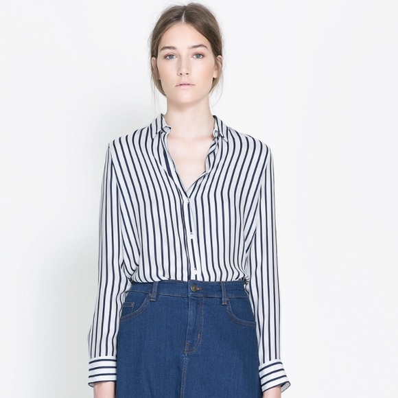 7a4eb93f0b374 Zara Navy Striped Silk Blouse. M 5688adc677adea9de107a89a