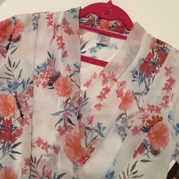 H&M Tops - H&M Floral Wrap Top Size 6