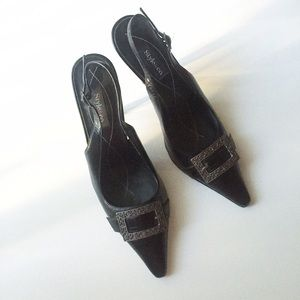 Shoes - Black Pointed Toe Sling Back Kitten Heels