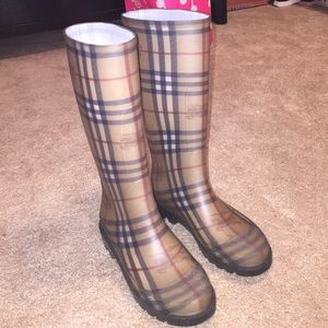 Authentic Burberry rainboots