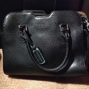 Black Leather London Fog Bag
