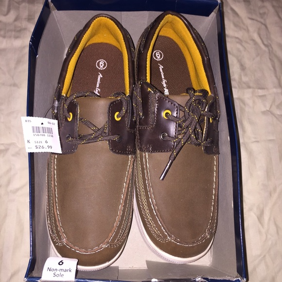 dd2472a6b176 Brand NEW American eagle brown loafers size 6 boys