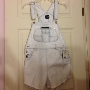 UO Urban Renewal Overall Shorts!