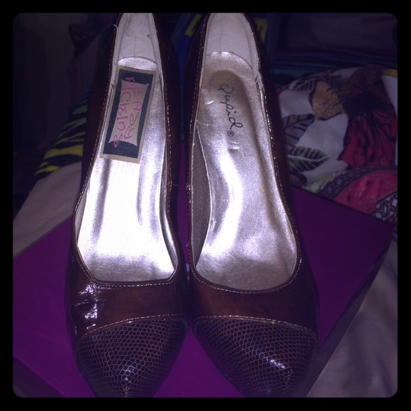 Qupid Shoes - Brown patent leather heels 👠👠