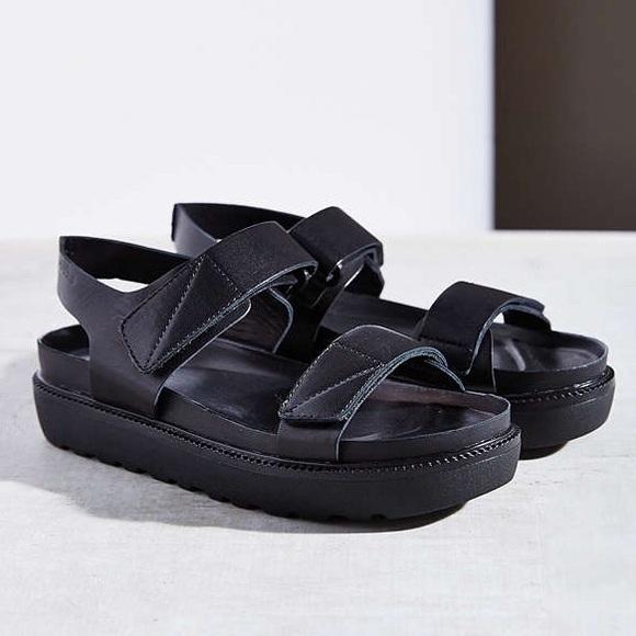 316f9dc686d Vagabond Velcro Platform Sandals. M 56529b2515c8afff2202bf47