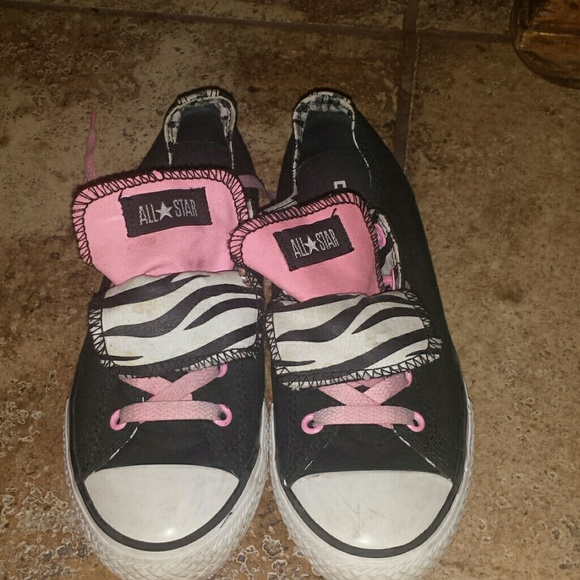 7c0d908353c0 Converse Other - Converse size 3 in kids  5 in womens