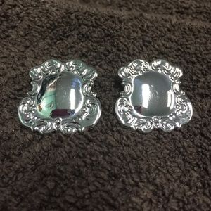 Jewelry - Shiny SilverTone Shield Victorian style Earrings