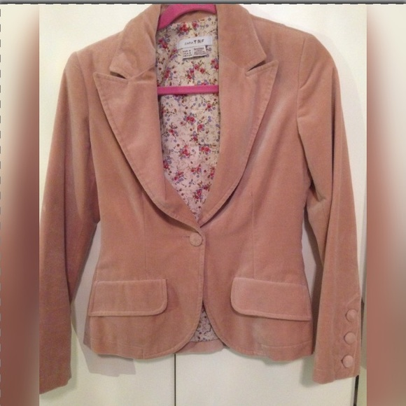 84% off Zara Jackets &amp Blazers - ‼️DISCOUNTED‼️ZARA- Light pink