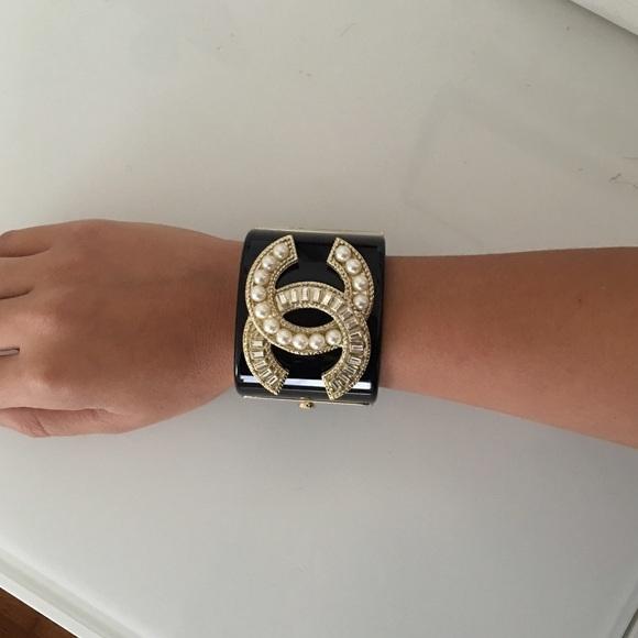 CHANEL Jewelry - CC logo Chanel acrylic cuff bracelet 39f8ac67fd34