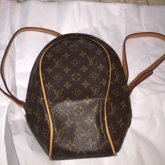 d6c34c28ad48 Louis Vuitton Handbags - L.v back pack bag beautifully final price 💞💞