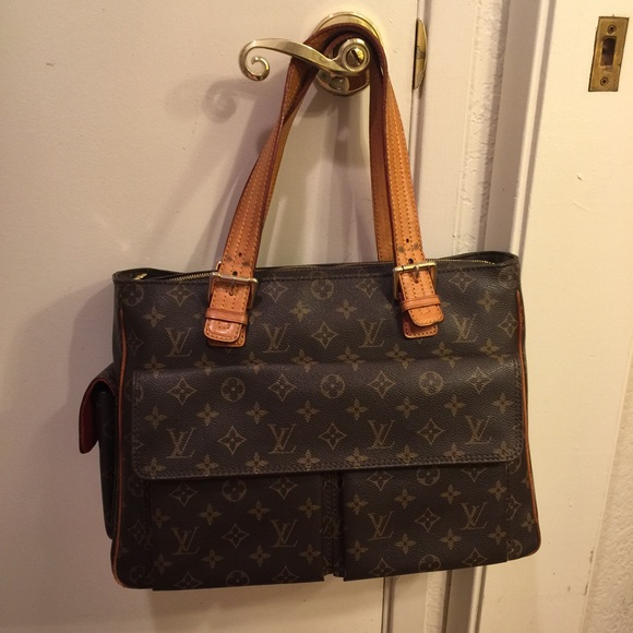 Louis Vuitton Handbags - Authentic Louis Vuitton Viva Cite GM 5d38cfdd30