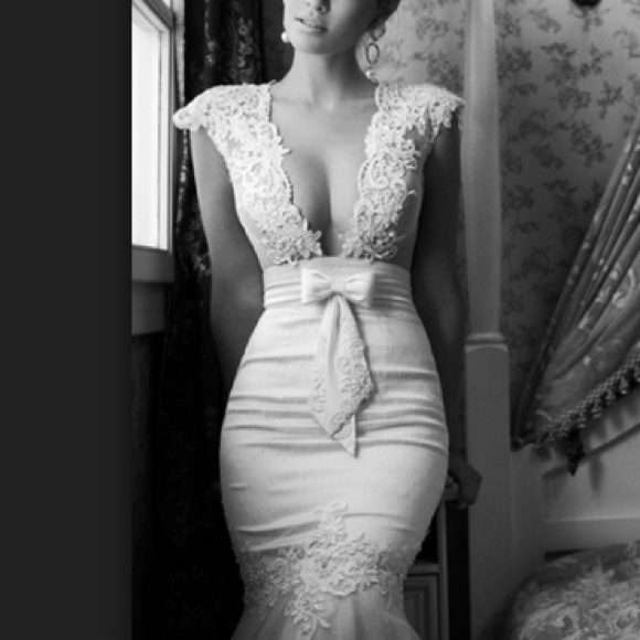 Pre Owned Wedding Gowns: 38% Off Berta Bridal Dresses & Skirts