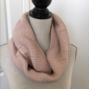 Gorgeous light pink scarf