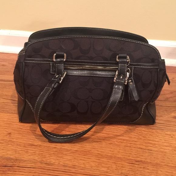 e55f6676cc Coach Handbags - 📢2017 sale 📢 👜HP 12 9👜Black Coach purse