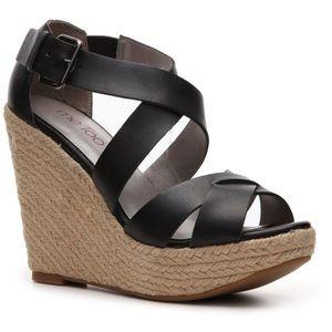 Me Too Ilana Wedge Sandals (Black)