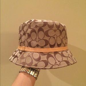 Coach tan logo bucket hat, canvas