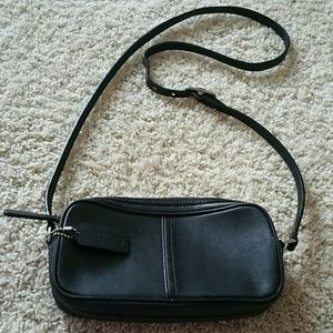 Coach Handbags - Authentic Coach leather crossbody purse