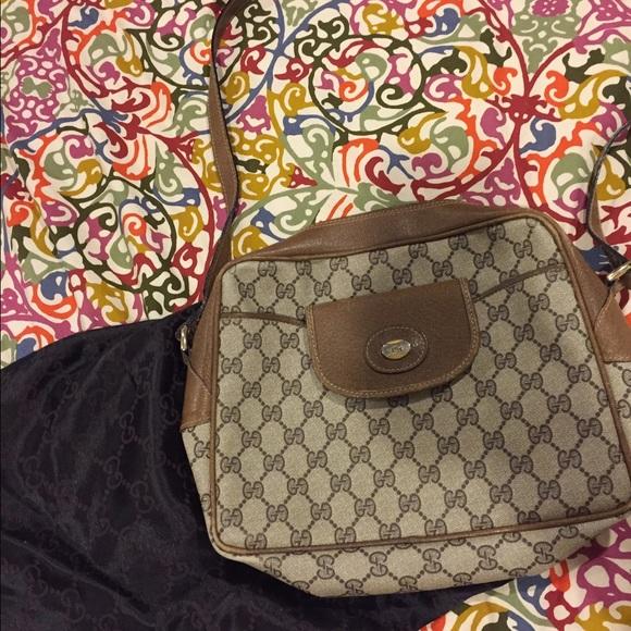 d4b179e5f5ec2 Vintage 80's Gucci cross body bag