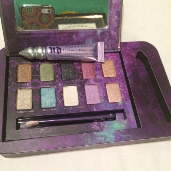 29 off urban decay other new urban decay ammo palette