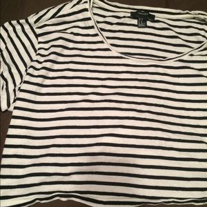 Black and white stripes crop top