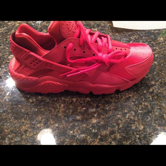 nike huarache red womens