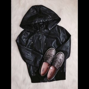 FOREVER 21 FAUX LEATHER JACKET W/ DETACHABLE HOOD