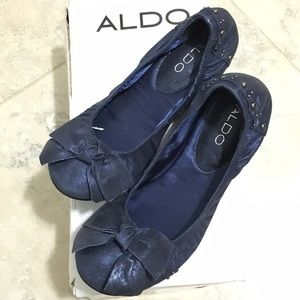 New. ALDO Blue Flats (sz 38)