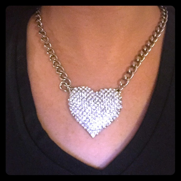 Jewelry - 🎀super bling chunky heart necklace 7193dae2a70b