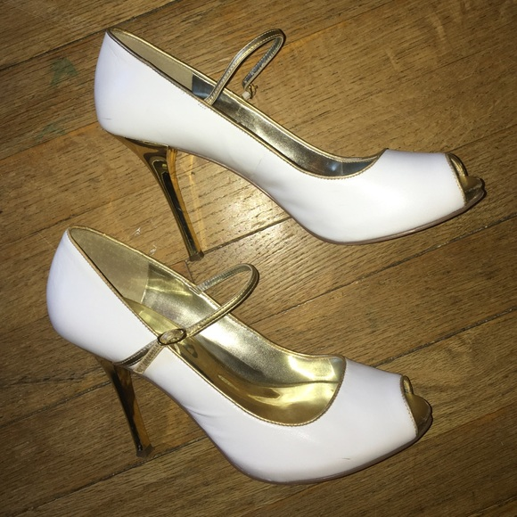 6de146d7e20b8 Guess by Marciano Shoes - Guess white and gold Mary Jane heel in size 8M