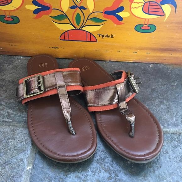 Gap orange + bronze buckle thong sandals