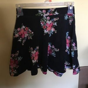 Forever 21 floral print stretchy cotton skirt