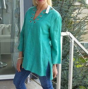 August Silk Tops - 🌟🔥LAST ONE🔥Chic and classy top (nwt)