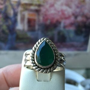 Jewelry - Emerald and Silver ring