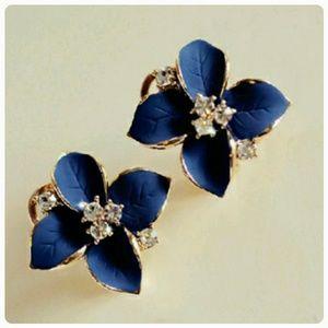 Jewelry - Clover Earrings