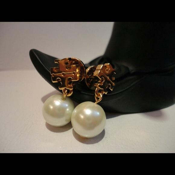 60d7a900f28c Authentic tory burch Evie pearl drop earrings. M 5656289e4127d06ddd002f59