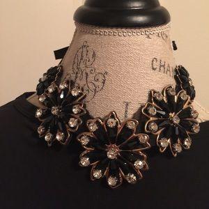 🎉HOSTESS PICK🎉'Blossom Du Jour' Bib Necklace