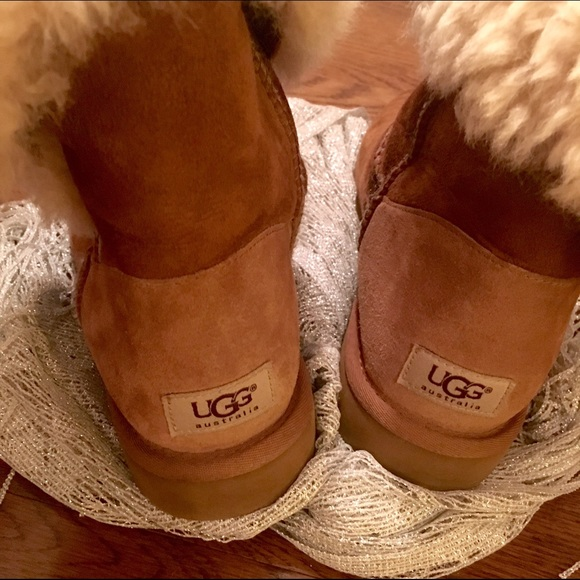 5195649af8b ✨Classic Bailey Button Midi Ugg Boots✨